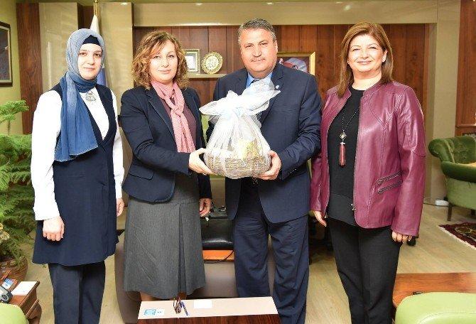 AK Kadınlardan Başkan Çerçi'ye Ziyaret