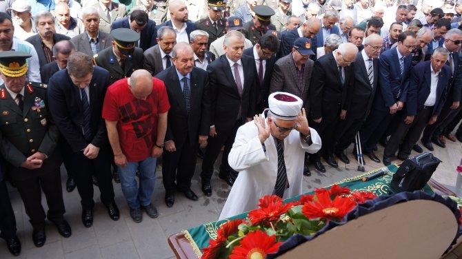 Denizli Şehit Dul ve Yetimleri Derneği Başkanı Öztürk vefat etti