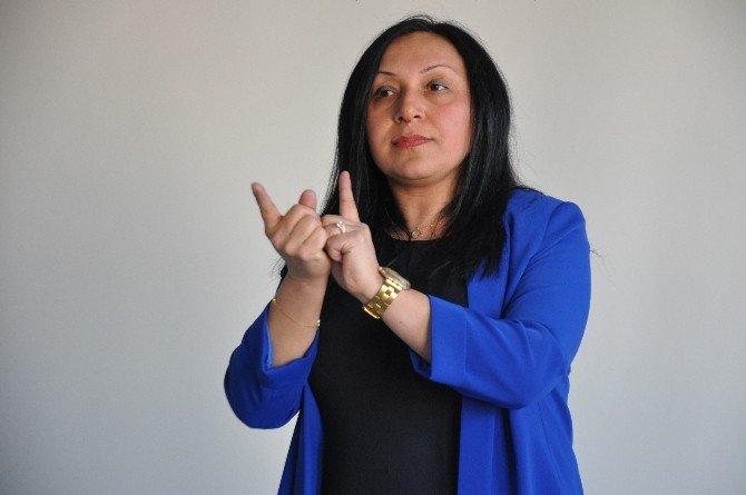 Doktor Adaylarına İşaret Dili Eğitimi