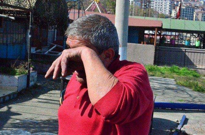 45 Yıllık Çekeğinin Yıkılışını Gözyaşları İle İzledi