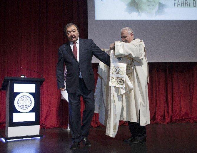 Olcas Sulaymanov Fahri Doktora Diploma Töreni Gerçekleşti