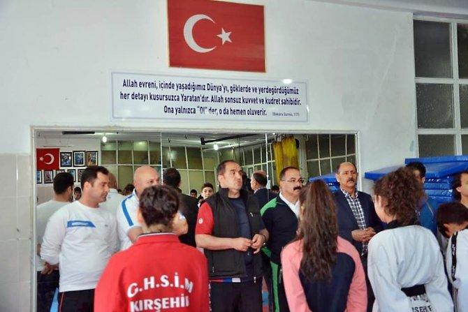 Dört ilin tekvandocuları Kırşehir'de antrenman maçı yaptı