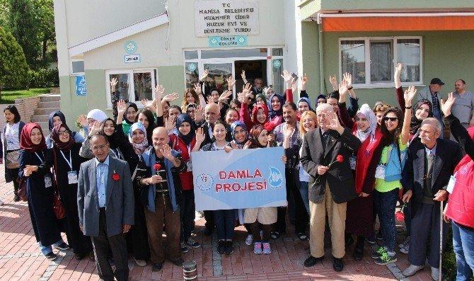 Öğrenciler 'Damla Projesi' İle Manisa'da Gönül Bağı Kurdu