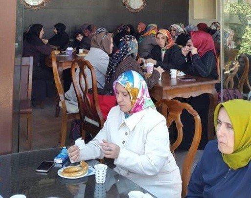 Yetimlere Destek İçin Kahvaltıda Biraraya Geldiler