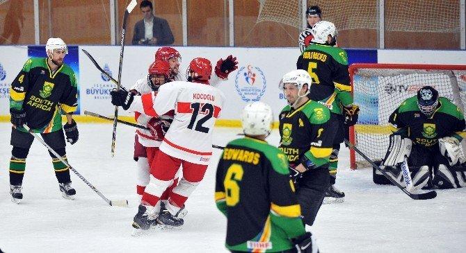 Buz Hokeyi Milli Takımı Dünya Şampiyon Oldu