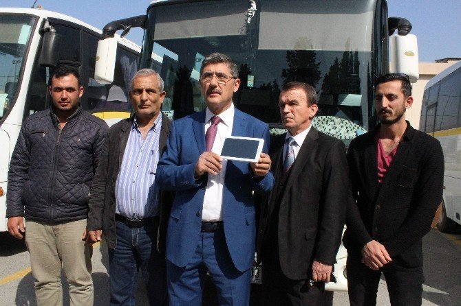 İzmir'de 7 Bin Servis Aracı, Araç Takip Sistemine Geçiyor