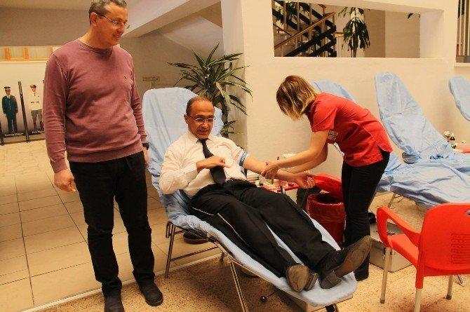 Erzincan Emniyeti Kan Bağışında Bulundu
