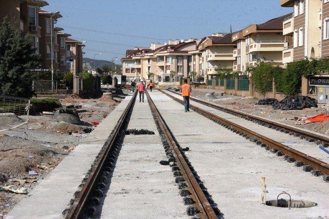 Akçaray'da Çift Yönlü 200 Metre Ray Döşendi