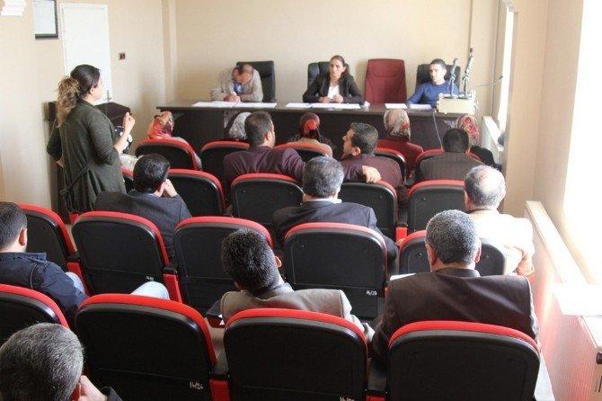 Başkale Belediye Meclisi Toplandı