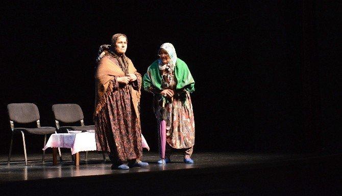 Arslanköylü Kadınlar, Öğrenciler İçin Ücretsiz Oyun Sahneleyecek