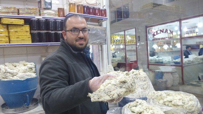 Küp Peynir İle Tuzlu Balığın Yerini Tazeleri Alıyor