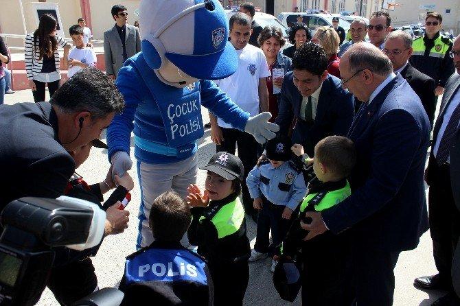 Polis Haftası Kutlamaları Başladı