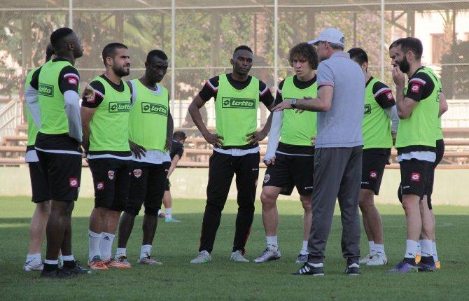 Adanaspor, Samsunspor'u eli boş göndermek istiyor