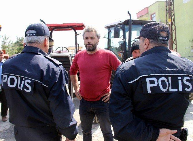 Traktörlerle Valiliğe Giden Köylülere Polis Engeli