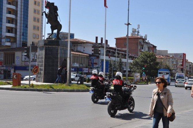 Yunus Polis Timleri Niğde Sokaklarında