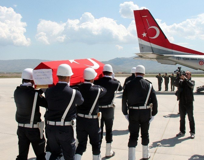 Şehit Polis Memleketine Uğurlandı