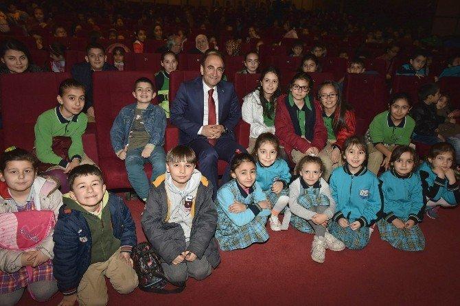 Altı Ayda 75 Bin Yıldırımlı Tiyatro İzledi