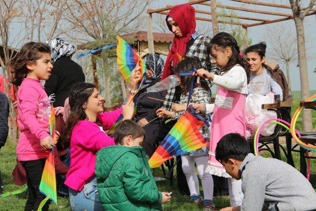 Sur'dan Göç Eden Çocuklara Sosyal Destek