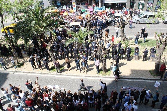 CHP Ve AK Parti'lilerden Karşılıklı Protesto