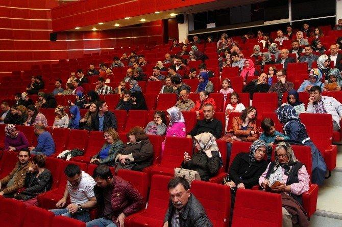 Gkm'de Sultan Abdülhamid Gösterimi