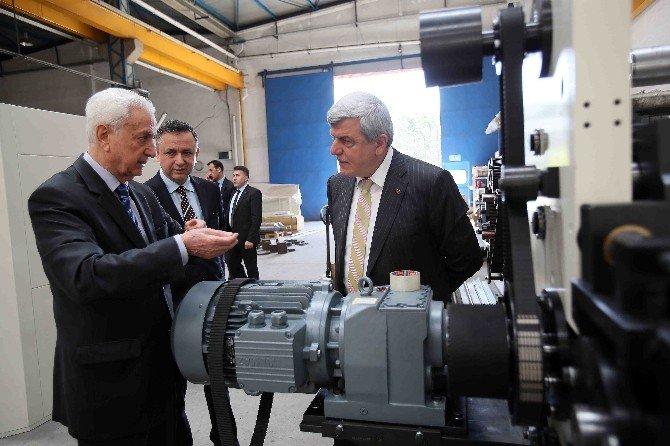Başkan Karaosmanoğlu'ndan Yerli Sanayicilere Övgü