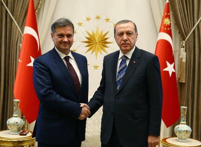 Cumhurbaşkanı Erdoğan, Bosna Hersek Bakanlar Konseyi Başkanı Zvizdiç'i Kabul Etti