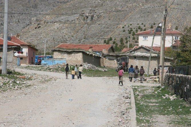 Afyon Büyükkarabağ Türkmenlerinden Gardaşlara Destek Geldi