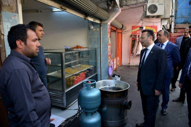 Vali Aksoy, bağlar esnafını ziyaret etti
