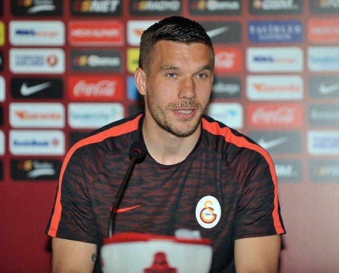 """Lukas Podolskı: """"Şampiyonluk Yarışında Beşiktaş Avantajlı"""""""