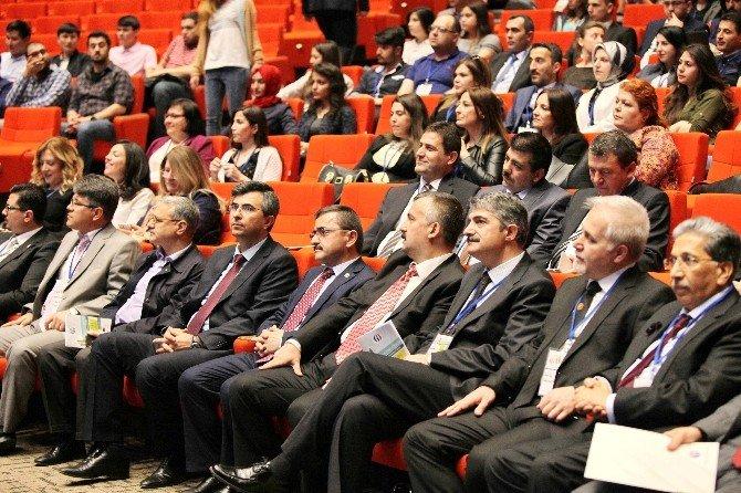 GAÜN'den Türkiye'de İlk Yüksek Lisans Öğrenci Sempozyumu