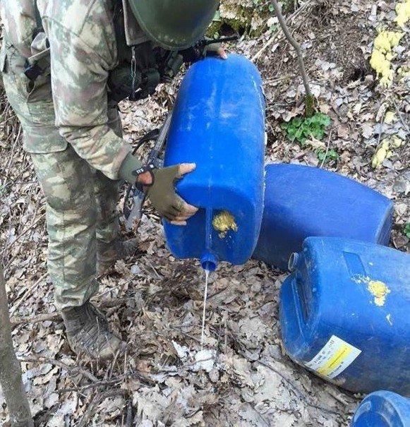 Tatvan'da Mağara Ve Sığınıklarda Amonyum Nitrat Ele Geçirildi