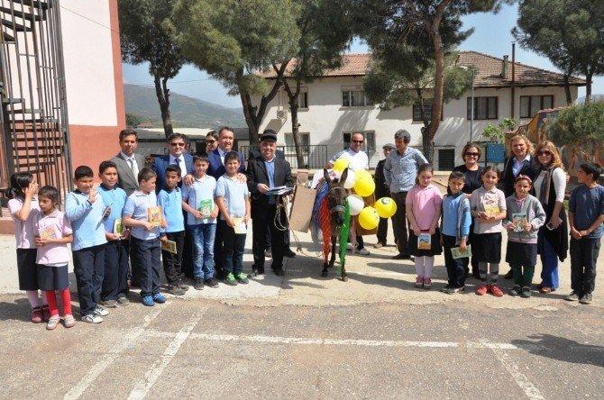Eşekli Kütüphaneci Mustafa Güzelgöz Birgi'de Anıldı
