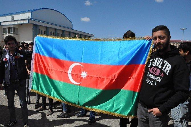Kafkas Üniversitesi Öğrencilerinden Ermenistan'a Tepki