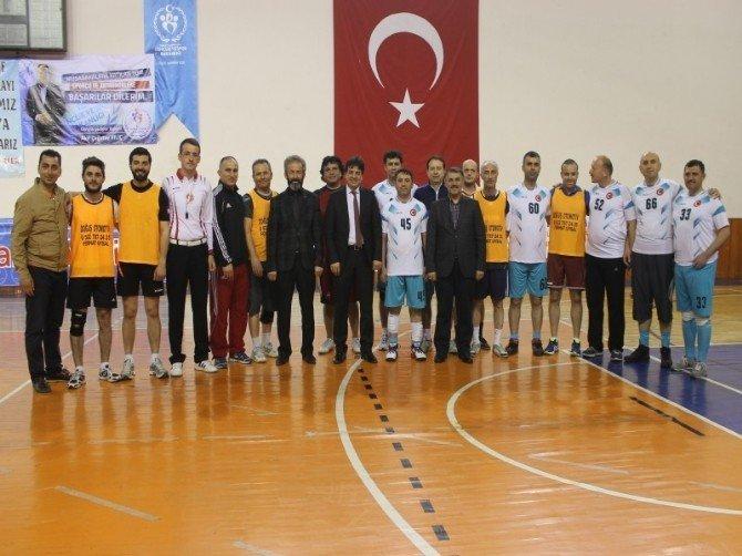 Kaymakamlık Kupası Voleybol Turnuvası Başladı