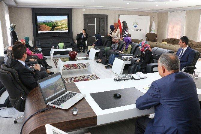 Yahyalılı Stajyer Öğretmenlerden Başkan Öztürk'e Ziyaret