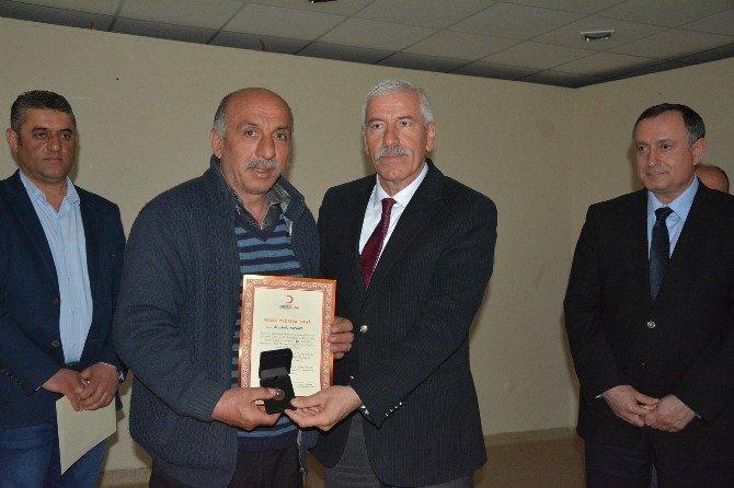 Kızılay'dan Kan Bağışçılarına Bronz Madalya