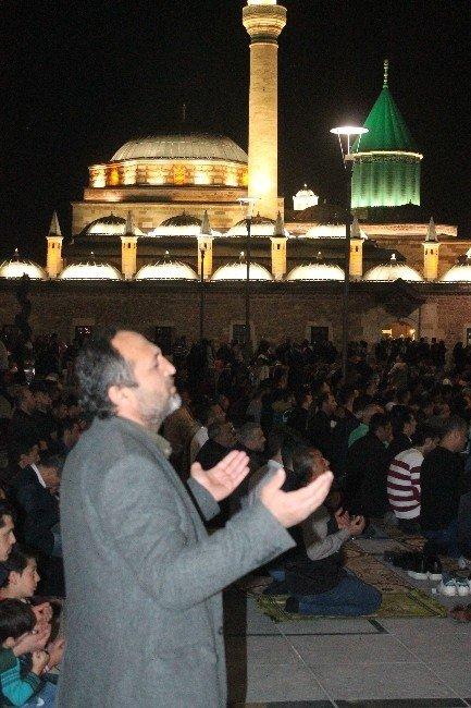 Konya'da Regaip Kandili