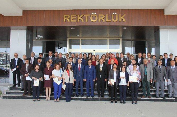 """MKÜ Rektörü Kaya: """"Kaliteden Ödün Vermeyin"""""""