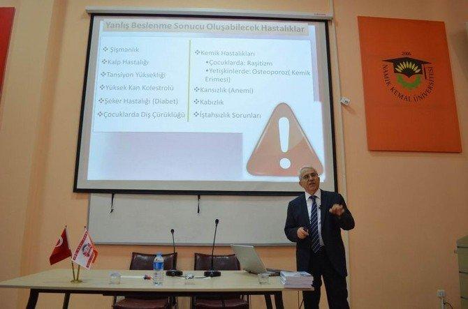 Çorlu Meslek Yüksekokulu'nda Sağlıklı Beslenme Konferansı
