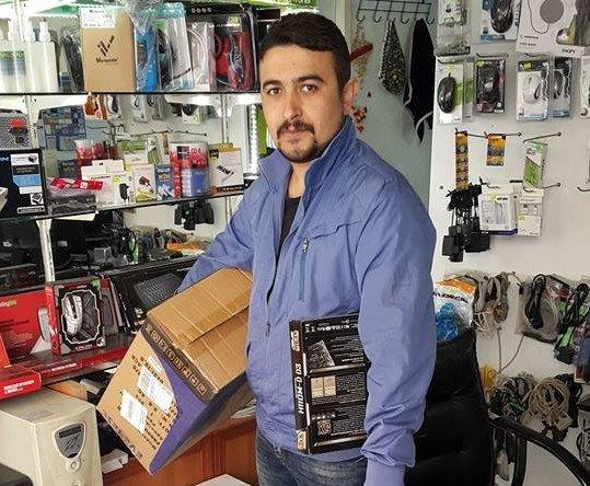 Şehit Ve Gazi Yakınlarının Bilgisayarlarını Ücretsiz Tamir Ediyor
