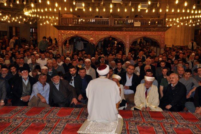 Selimiye Camii'nde Regaip Kandili coşkusu