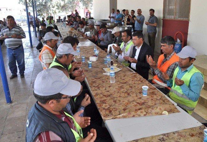 Başkan Turgut, Personeliyle Yemekte Buluştu