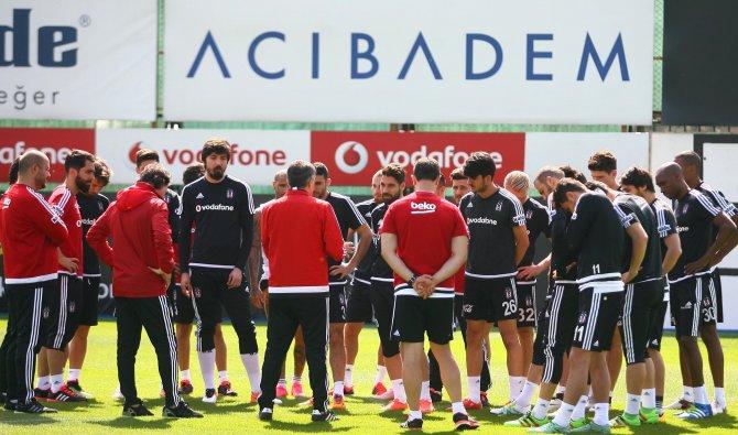 Beşiktaş'ta Bursaspor maçı hazırlıkları devam ediyor