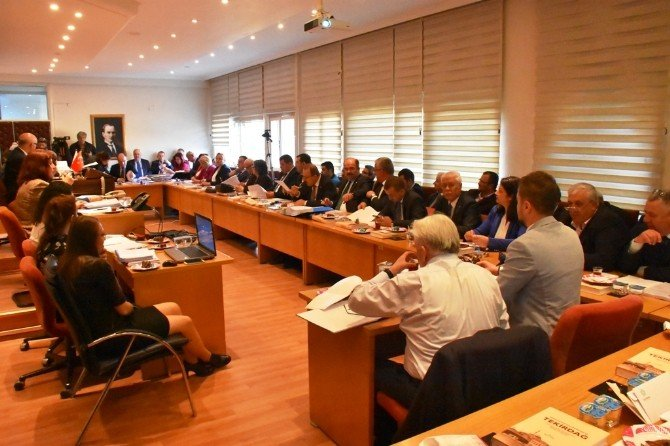 Süleymanpaşa Belediye Meclisi, 2016 Nisan Ayı Toplantısını Gerçekleştirdi