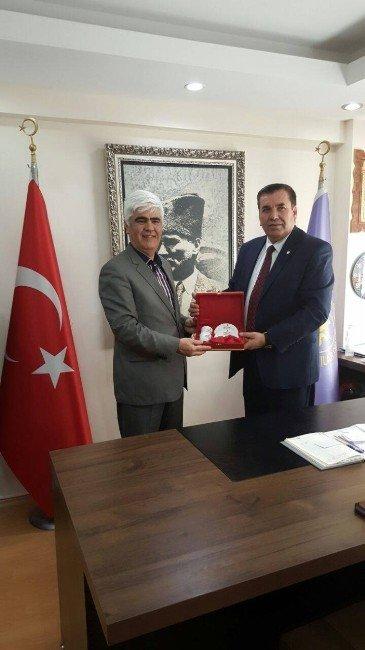 Kızılay Şube Başkanı Girgin'den Tuhafiyeciler Odası'na Ziyaret