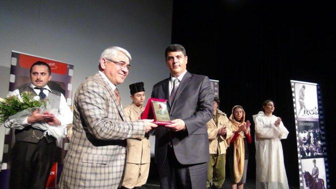 Azerbaycan İrevan Devlet Tiyatrosu tiyatro sevenlerle buluştu