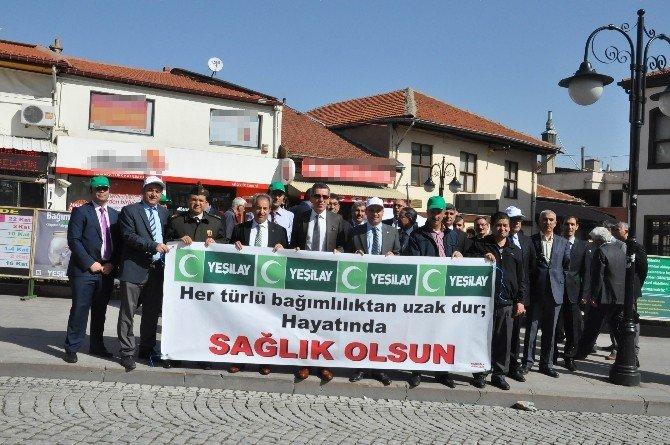 Akşehir'de Yeşilay'dan Sağlık Olsun Standı
