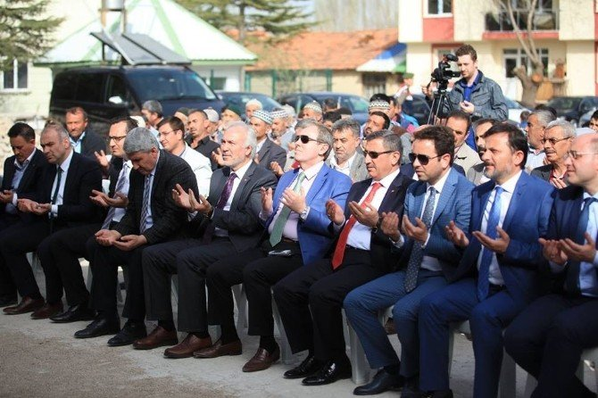 Kütahya Belediyesi'nden Zığra Ve İkizhüyük Mahallelerine Sosyo-kültür Merkezi