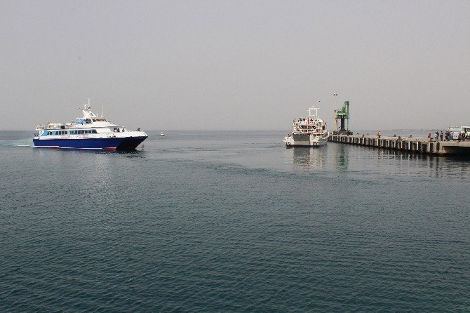 İkinci Mülteci Kafilesi Dikili Limanında