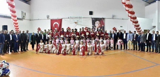 Mamak Belediyesi'nden Spora Ve Sporcuya Destek